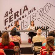 Mónica Lavín presentó en la UASLP su libro de cuentos 'A qué Volver'