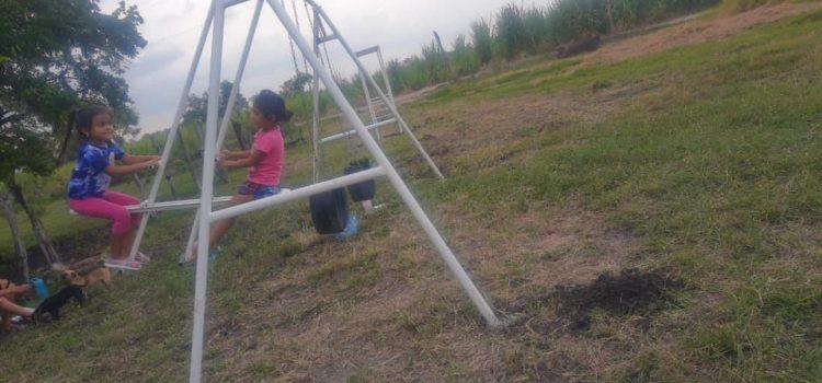 CUMPLEN SUEÑO A NIÑOS DEL EJIDO EÑ SIDRAL; YA TIENEN JUEGOS INFANTILES